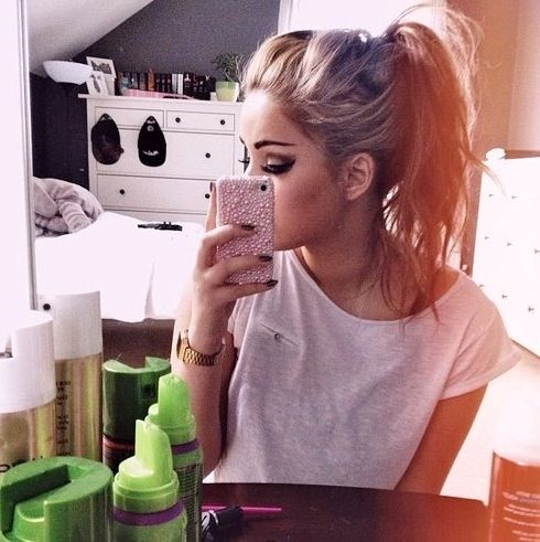 messy-pony-tail