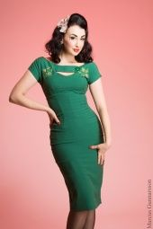 Bettie-page-keyhole-dress-jurk