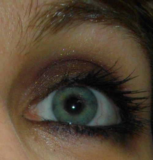 blauwe-eyeliner-oogmakeup
