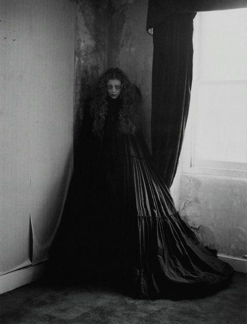 halloween-scary-girl