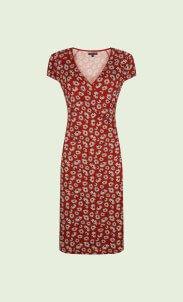 kinglouie-cross-dress-summer-meadow